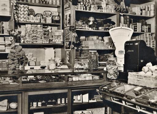 , mey_0022, Lange Straße Drogerie Pickel, um 1959
