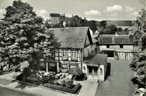 , roll_0016, Vor dem Tore 1958, um 1958